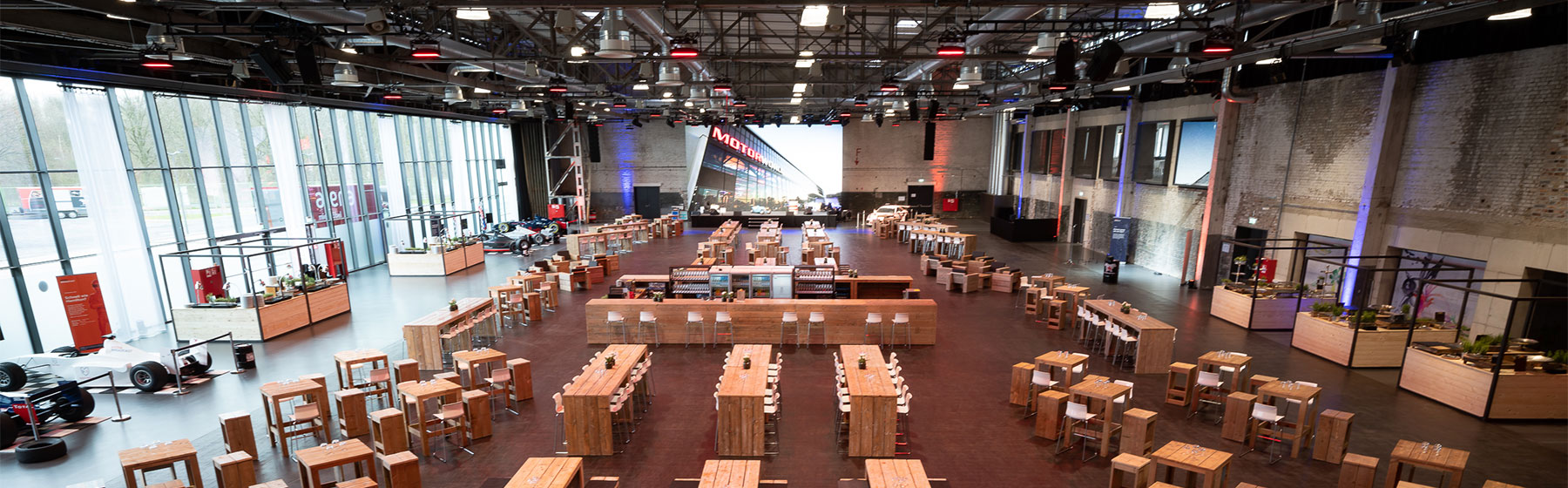 Eventhalle 4-Takt-Hangar Eventlocation Motorworld Köln | Rheinland